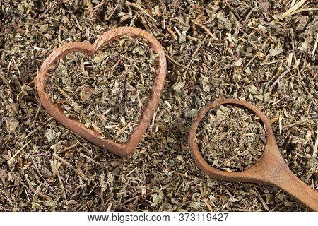 Phyllanthus Niruri - Stone Chanca. Heart Shaped Wooden Bowl