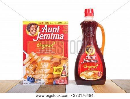 Alameda, Ca - June 23, 2020: Aunt Jemima Pancake Mix Next To A Bottle Of Original Syrup. The Pancake