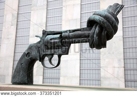 New York City, Usa - April 30, 2019: Non-violence Sculpture (the Knotted Gun) At United Nations Head