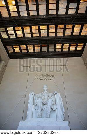 Washington Dc, Usa - May 02, 2019: Lincoln Memorial Statue In Washington Dc. Usa