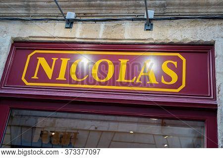 Bordeaux , Aquitaine / France - 11 07 2019 : Nicolas Cave Bar Sign Logo Store Wine Alcohol Beer Fren