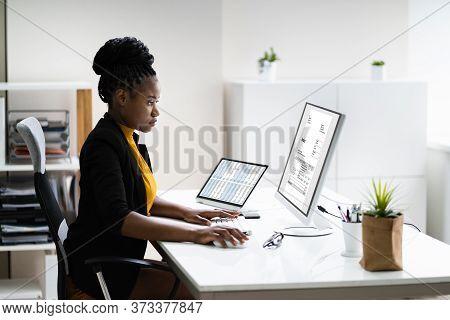 Online Electronic Invoice Management On Desktop Computer