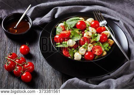 Diet Dish: Italian Caprese Salad With Baby Spinach, Cherry Tomatoes, Mini Mozzarella Balls, With Bal
