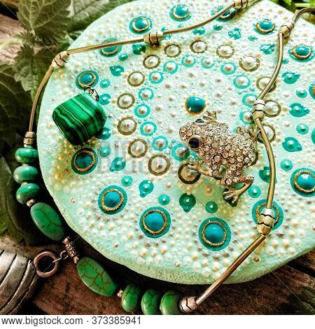Coaster Handmade. Mint, Turquoise, Round Coaster. Hand Painted With Acrylic Paints. Mobile Photo.