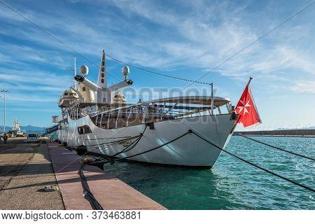 Katakolon, Greece - November 11, 2019: Motor Yacht Christina O Moored In Harbor Of The Katakolon (ol