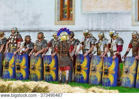 Legionnaires Of Legio V Macedonica