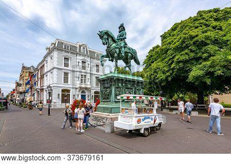 Hague, Netherlands - June 2018: William I Monument In Center Of Hague