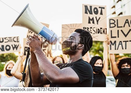 Black Lives Matter Activist Movement Protesting Against Racism And Fighting For Equality - Demonstra