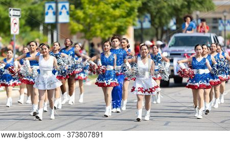 Arlington, Texas, Usa - July 4, 2019: Arlington 4th Of July Parade, Members Of The Sam Houston High