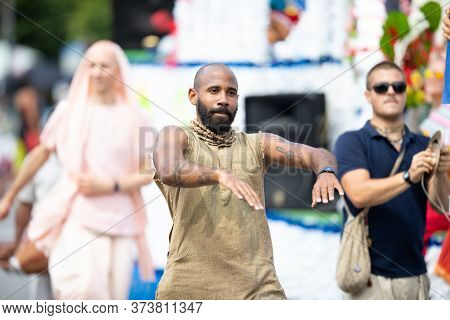Chicago, Illinois, Usa - August 8, 2019: The Bud Billiken Parade, Members Of The Iskcon Chicago, Goi