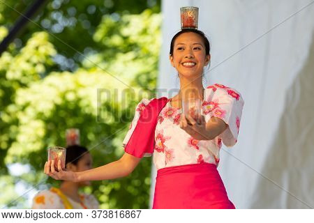 St. Louis, Missouri, Usa - August 24, 2019: Festival Of Nations, Tower Grove Park, Members Of The Ph