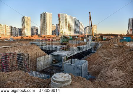 Construction Of An Underground Pedestrian Crossing. Preparatory Work For Concreting And Pouring The