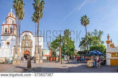 San Pedro Tlaquepaque, Jalisco, Mexico - November 23, 2019: A Statue Of Juan Pable Ii, Infront Of Th