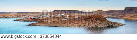 The Coast Line Of Ulukhaktok Located On The West Side Of Victoria.island On The Amundsen Gulf In The