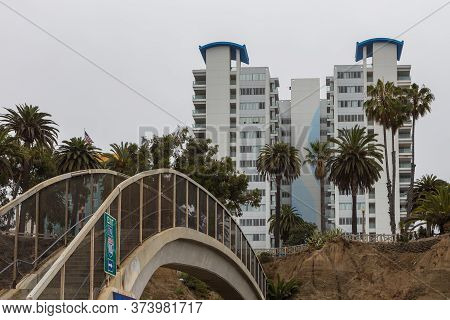 Santa Monica, California, Usa- 12 June 2015: View Of The High Hotels On The Santa Monica Beach.