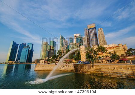 Singapore - June 6 : Merlion Park At Dawn With Sunrise Scene In Singapore On June 6,2013