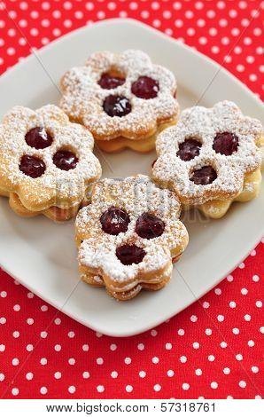 Traditional Linzer Cookies