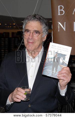 Elliott Gould at a celebration of Jerry Weintraub's New Book