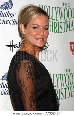 LOS ANGELES - NOV 30:  Sharon Case at the 2014 Hollywood Christmas Parade at the Hollywood Boulevard on November 30, 2014 in Los Angeles, CA