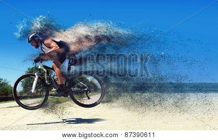 Pro moutain bike racer running so fast!