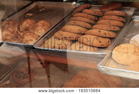 Chocolate chip cookies in a pastry bakery window