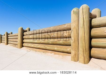 Wood Polelow Wall