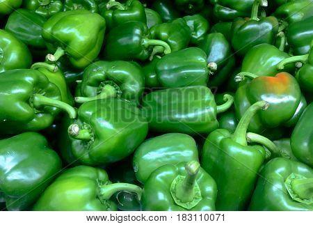 Green sweet bell pepper in super maket