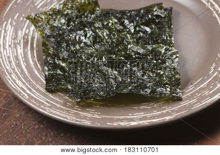 Dry seaweed leaves furmi kim vegan food