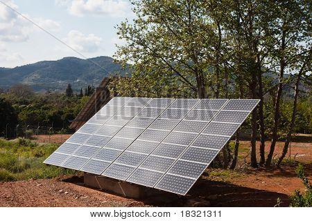 Solar Power Panels In einer ländlichen Gegend