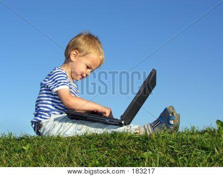 Jongen met Computer