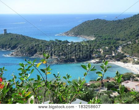 vista fantastica di una baia in Corsica