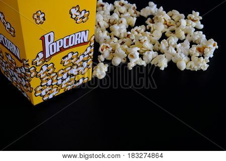 Popcorn is a snack for everyone to relax.