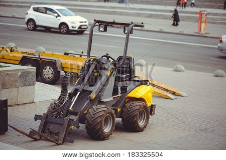 Mini Loader Cleaning City