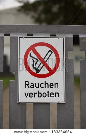 German sign that says smoking is forbidden
