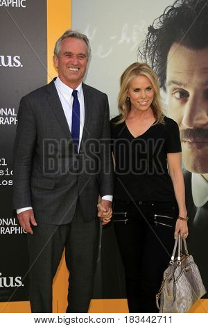 LOS ANGELES - APR 24:  Robert F. Kennedy Jr., Cheryl Hines at the National Geographic's