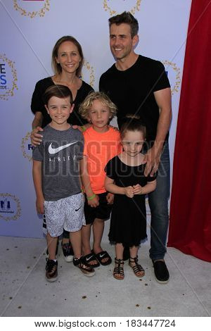 LOS ANGELES - APR 23:  Barrett Williams, Rhys McIntyre, Kira McIntyre, Griffin Thomas McIntyre, Joey McIntyre at the Safe Kids Day at the Smashbox Studios on April 23, 2017 in Culver City, CA