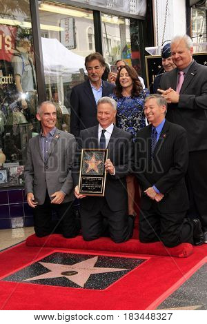 LOS ANGELES - APR 17:  Gary Sinise, Chamber Officials, Joe Mantegna, Patrica Heaton at the Gary Sinise Honored With Star On The Hollywood Walk Of Fame on April 17, 2017 in Los Angeles, CA