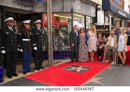 LOS ANGELES - APR 17:  Gary Sinise, family at the Gary Sinise Honored With Star On The Hollywood Walk Of Fame on April 17, 2017 in Los Angeles, CA