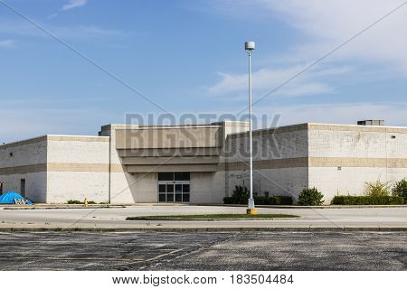 Marion - Circa April 2017: Recently shuttered Sears Retail Mall Location. According to a regulatory filing Sears Holdings Corp. lost more than $2 billion in 2016 X