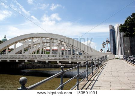 Elgin bridge and pedestrian walkway spanning the Singapore River South East Asia