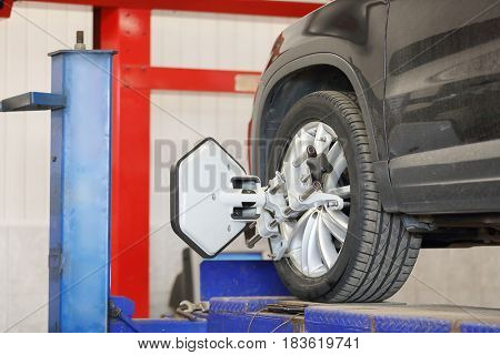 Target of the car wheel angle adjustment equipment fixed on a car wheel