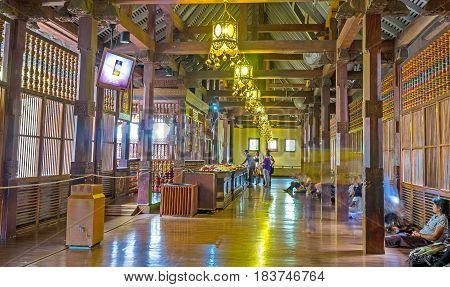 Inside Alut Maligawa