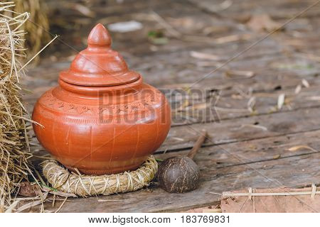 Thai Antique Clay Pot Earth Ware For Guest Or Visitor Drinking Water