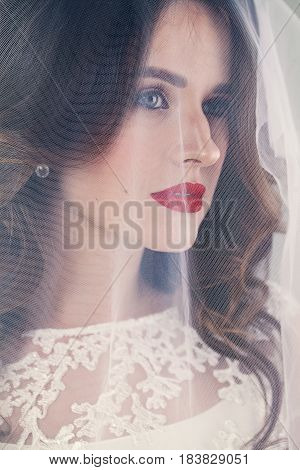 Pretty Woman Fiancee with White Veil and red lips