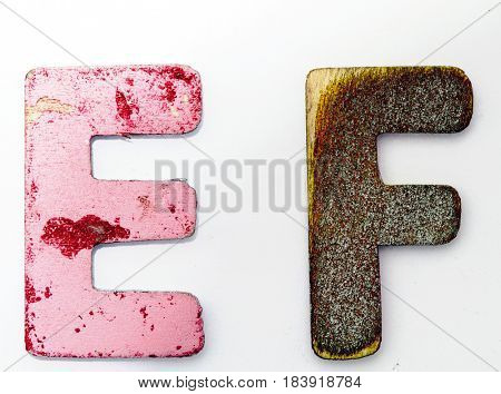 E F  wooden letters