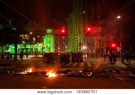 Rio De Janeiro / Greve Geral / Caos Nas Ruas