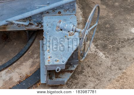 Steering control platform for Bombardier , The old