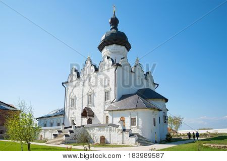 Cathedral in honor of the feast of the Assumption of the Blessed Virgin Mary in Sviyazhsky Sviyazhsky Theotokos-Assumption Monastery male monastery. Tatarstan, Russia
