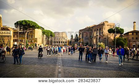 Rome, Italy - October 22nd: Tourist Walk Along Via Dei Fori Imperiali Leading To The Colosseum At Th