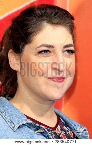 LOS ANGELES - FEB 2:  Mayim Bialik at